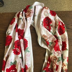 White scarf with red roses